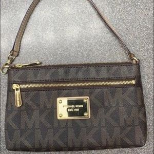 Michael kors wallet/purse/wristlet